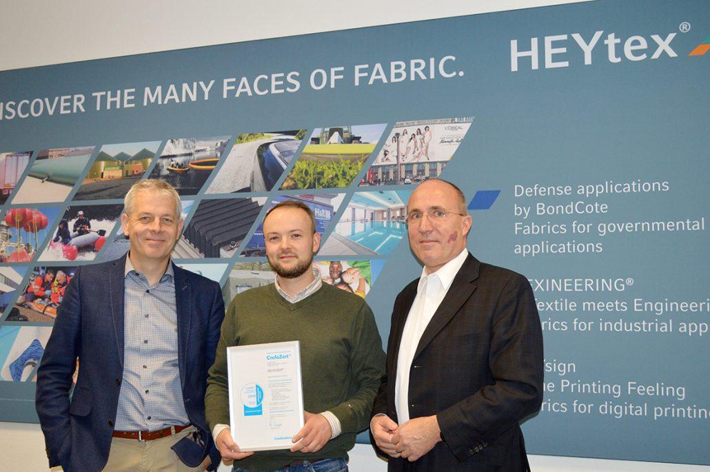 von links nach rechts: Geschäftsführer Hans-Dieter Kohake (Heytex Bramsche GmbH), Henning Fischer (Heytex Bramsche GmbH) und Armin Trojahn (Creditreform Osnabrück/Nordhorn Unger KG)